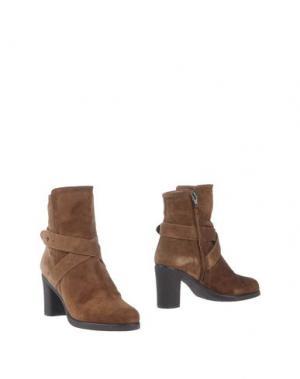 Полусапоги и высокие ботинки LORBAC. Цвет: верблюжий