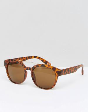 Jeepers Peepers Квадратные солнцезащитные очки. Цвет: коричневый