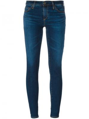 Укороченные джинсы Stilt Cigarette Ag Jeans. Цвет: синий