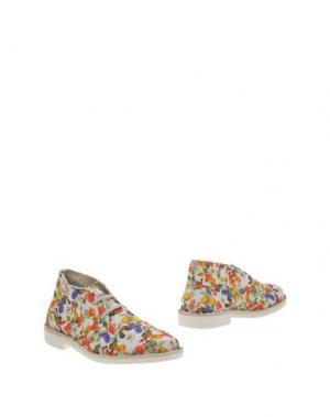 Полусапоги и высокие ботинки WALLY WALKER. Цвет: белый