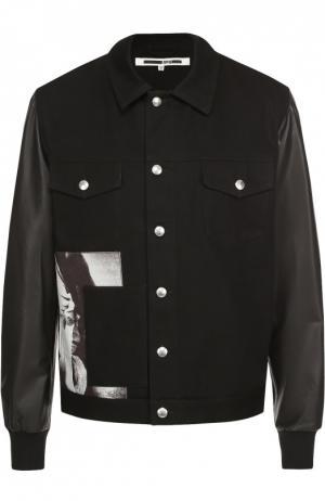 Джинсовая куртка с принтом и кожаными рукавами MCQ. Цвет: черный