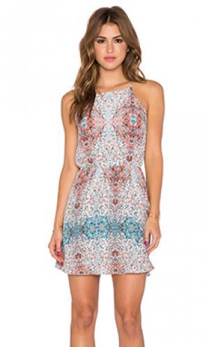Платье ace Myne. Цвет: белый