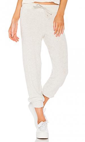 Спортивные брюки ballet Spiritual Gangster. Цвет: серый