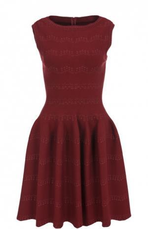 Приталенное мини-платье с вырезом-лодочка Alaia. Цвет: бордовый