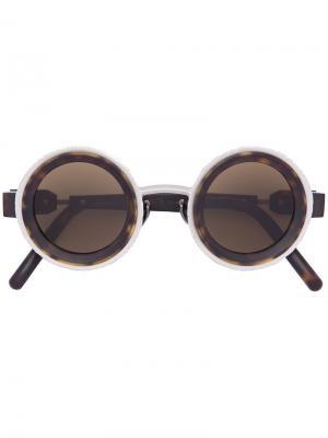 Солнцезащитные очки округлой формы Kuboraum. Цвет: коричневый