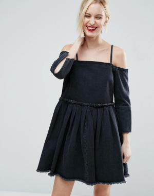 ASOS Черное выбеленное джинсовое платье с открытыми плечами и складками ASO. Цвет: черный