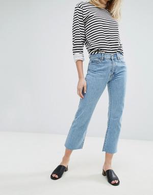 Dr Denim Укороченные джинсы с легким клешем и классической талией Mead. Цвет: синий