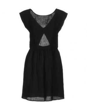 Короткое платье DES PETITS HAUTS. Цвет: черный
