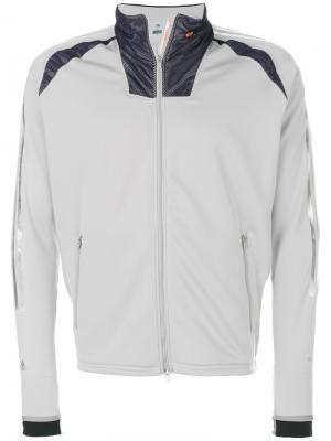 Спортивная куртка на молнии Adidas By Kolor. Цвет: серый