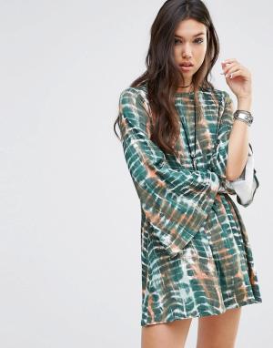 Rokoko Свободное платье с рукавами-колокол и глубоким вырезом сзади. Цвет: мульти