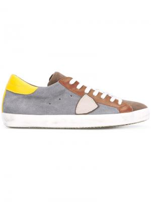 Кроссовки с панельным дизайном Philippe Model. Цвет: серый