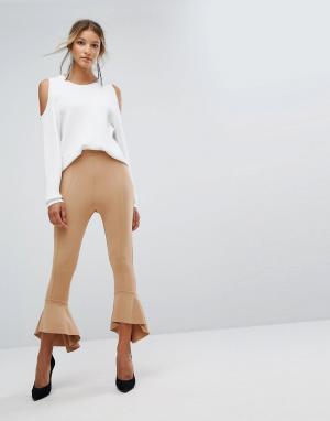 Missguided Расклешенные брюки из понте с оборками. Цвет: бежевый
