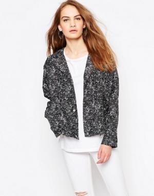 Parka London Легкая укороченная куртка. Цвет: черный