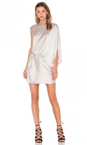 Платье с асимметричным подолом KES. Цвет: серый