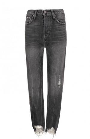 Укороченные джинсы с потертостями Frame Denim. Цвет: серый