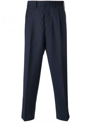 Укороченные брюки Tonga The Gigi. Цвет: синий