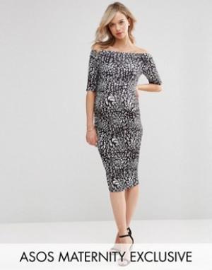 ASOS Maternity Платье для беременных с открытыми плечами и принтом. Цвет: мульти