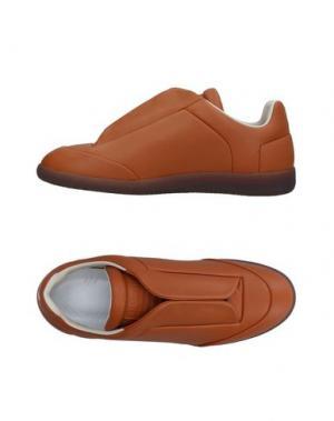 Низкие кеды и кроссовки MAISON MARGIELA. Цвет: желто-коричневый