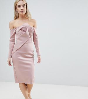 ASOS Petite Платье-бандо миди с длинными рукавами и складками спереди. Цвет: розовый