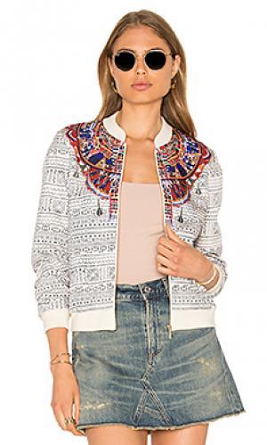 Стрейчевая куртка-бомбер с принтом Camilla. Цвет: белый