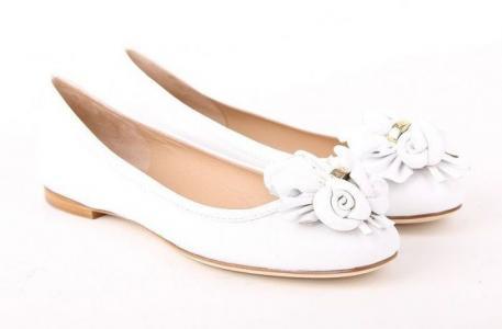 Кожаные белые балетки от итальянского бренда Sandro Vicari