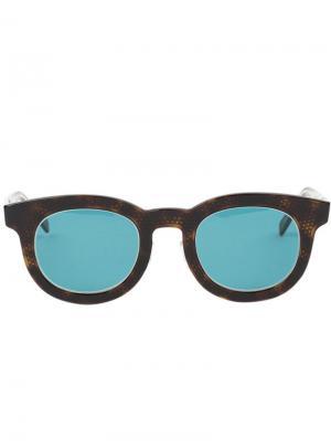 Солнцезащитные очки Tito Hakusan. Цвет: коричневый