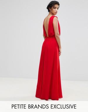 John Zack Petite Платье макси с глубоким вырезом на спине. Цвет: красный