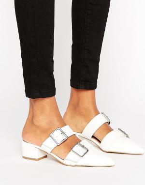 ASOS Остроносые туфли-сабо на низком каблуке SIESTA. Цвет: белый