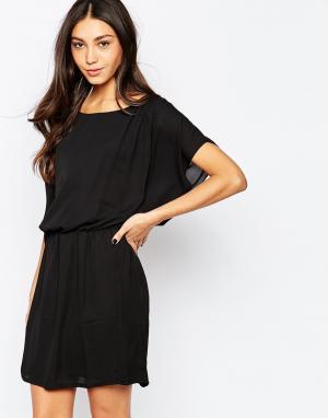 Soaked in Luxury Платье с рукавами летучая мышь. Цвет: черный