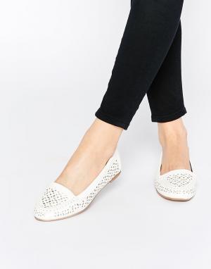 Head Over Heels Белые туфли на плоской подошве с вырезами By Dune Hasi. Цвет: белый