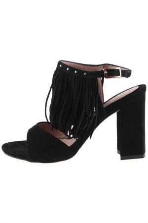 Босоножки на каблуке Sienna. Цвет: черный