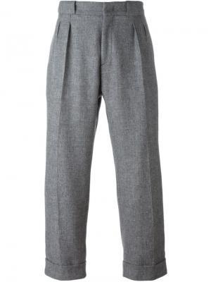Свободные брюки строгого кроя Pence. Цвет: серый