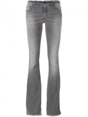 Джинсы с клешем ниже колена +People. Цвет: серый