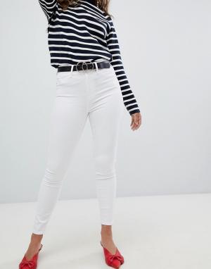 River Island Белые зауженные джинсы Harper. Цвет: белый