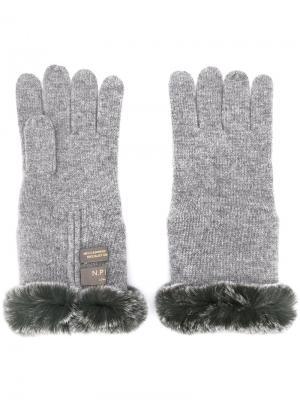 Перчатки с меховой отделкой N.Peal. Цвет: серый