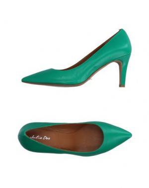 Туфли JULIE DEE. Цвет: зеленый