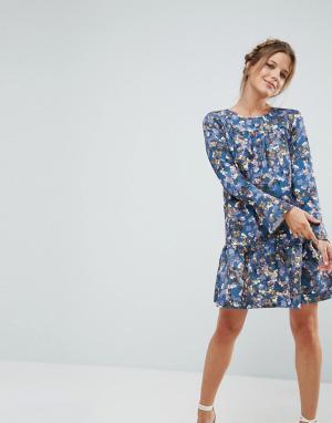 Closet London Платье с цветочным принтом и оборкой. Цвет: мульти