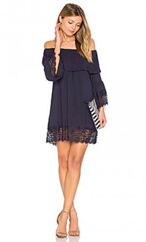 Мини-платье с открытыми плечами oasis Suboo. Цвет: синий