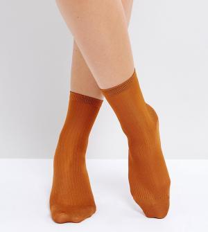 Monki Носки металлик в рубчик. Цвет: оранжевый