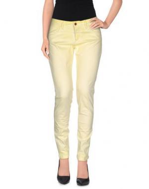 Повседневные брюки JAGGY. Цвет: желтый