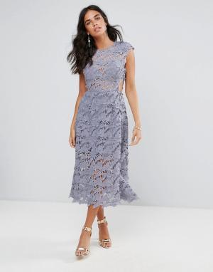 Forever Unique Кружевное платье миди. Цвет: серый