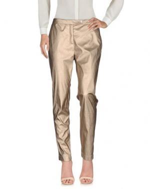 Повседневные брюки DEVOTION. Цвет: золотистый