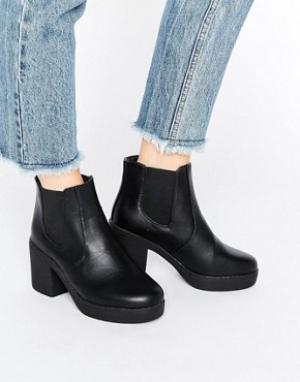 Truffle Collection Массивные ботинки челси на каблуке. Цвет: черный