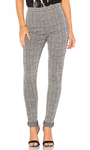 Зауженные брюки jada Motel. Цвет: серый