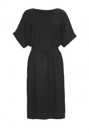 Платье из искусственного шелка и вискозы с поясом 184156 Cyrille Gassiline. Цвет: черный