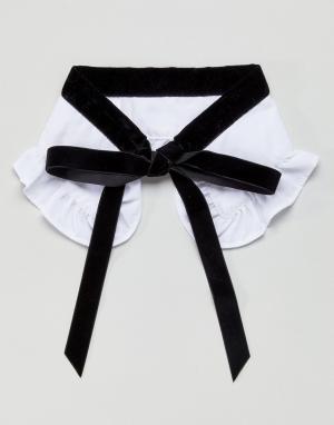 ASOS Воротник с бархатным галстуком. Цвет: белый