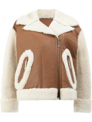Укороченная куртка из шерсти ягненка Maison Ullens. Цвет: коричневый