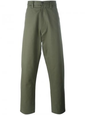 Широкие брюки Chore E. Tautz. Цвет: зелёный