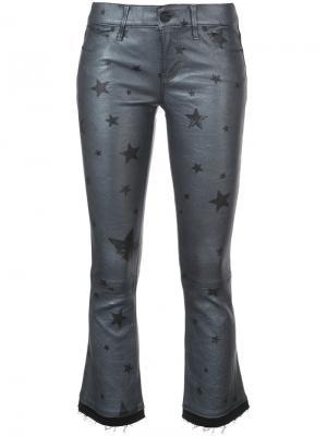 Укороченные расклешенные брюки со звездами Rta. Цвет: металлический