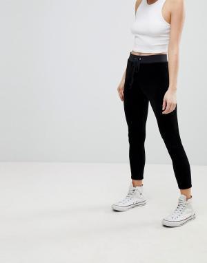 Juicy Couture Эластичные велюровые леггинсы Black Label. Цвет: черный